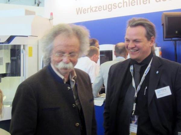 Jean-Puetz-beim-Werkzeugschleifer-des-Jahres-2014-mit-Uwe-Schmidt