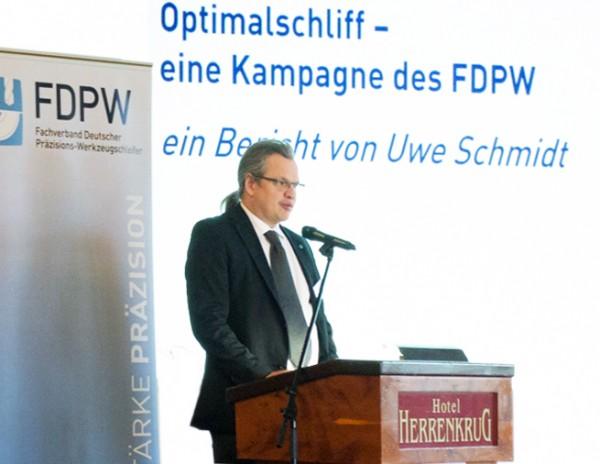 Uwe-Schmidt-von-PWWU-auf-dem-FDPW-Verbandstag-2017